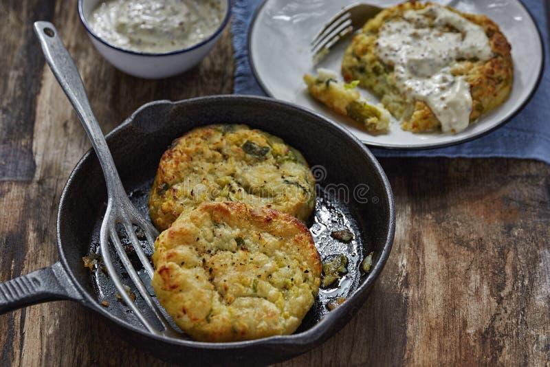 Κέικ πατατών λάχανων βακαλάων στοκ εικόνες
