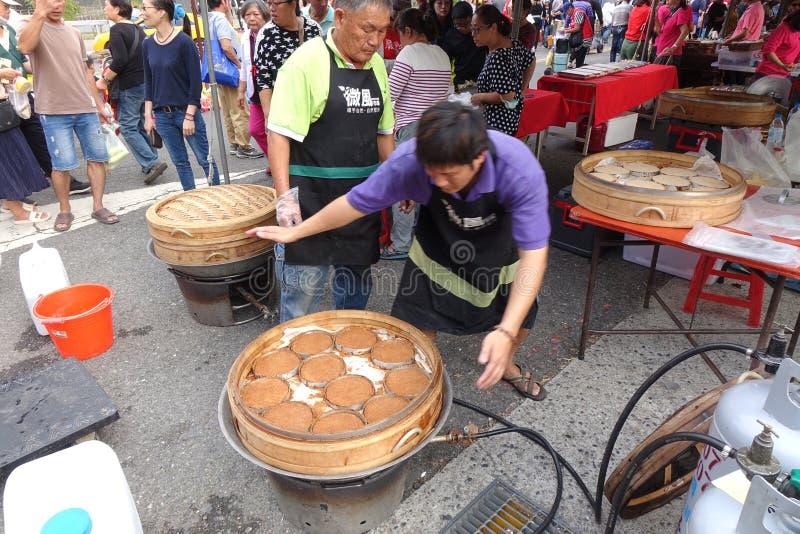 Κέικ ρυζιού με αχνιστό ρύζι με σκόνη ρυζιού στοκ φωτογραφία με δικαίωμα ελεύθερης χρήσης