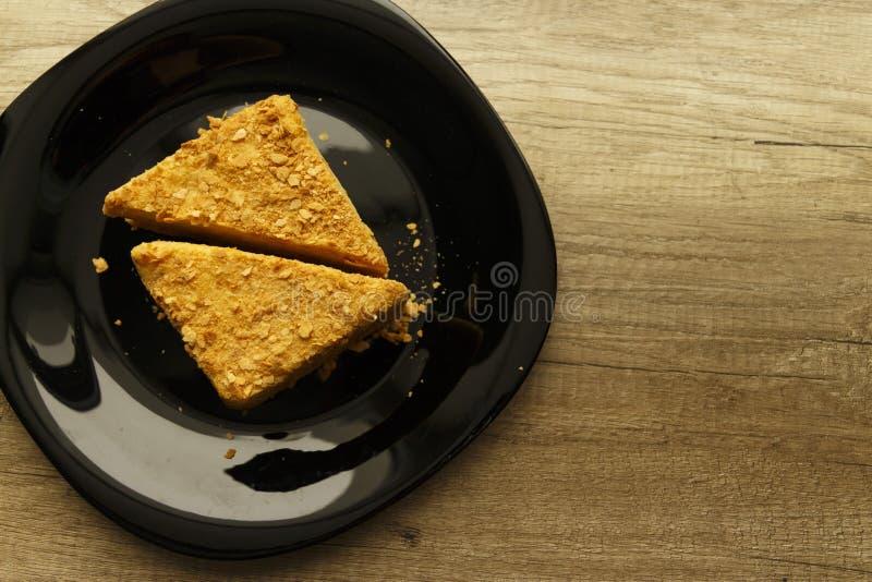 κέικ σε ένα πιάτο στοκ φωτογραφία με δικαίωμα ελεύθερης χρήσης