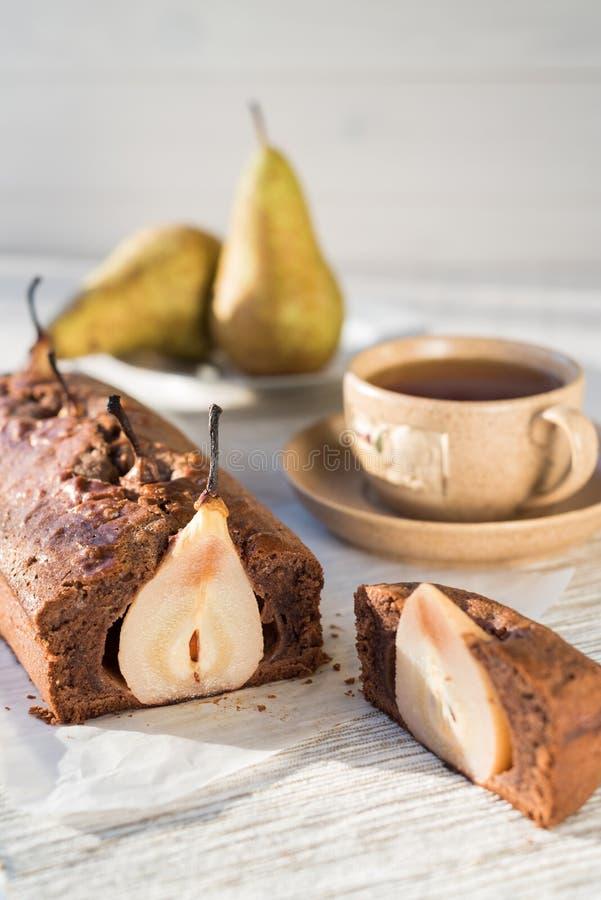 Κέικ σοκολάτας με τα αχλάδια στοκ εικόνες