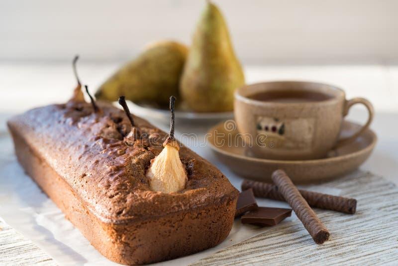 Κέικ σοκολάτας με τα αχλάδια στοκ εικόνες με δικαίωμα ελεύθερης χρήσης