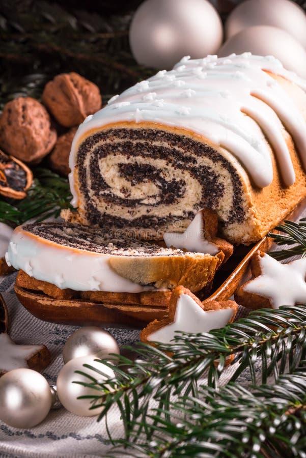 Download Κέικ σπόρου παπαρουνών Χριστουγέννων Στοκ Εικόνα - εικόνα από επιδόρπιο, και: 62703323