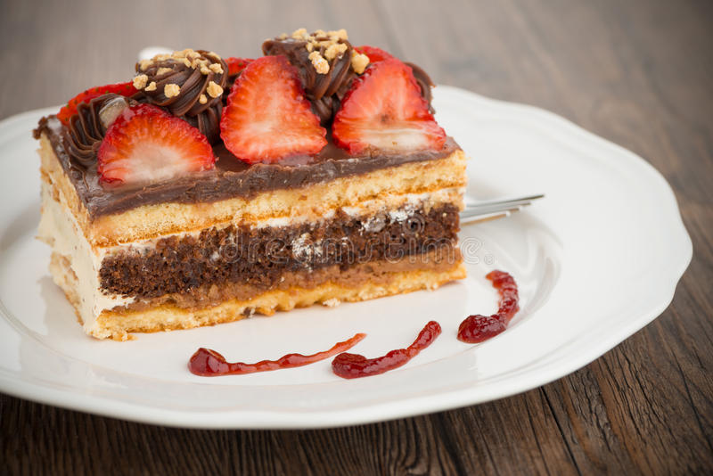 Κέικ φραουλών σοκολάτας στοκ φωτογραφίες με δικαίωμα ελεύθερης χρήσης