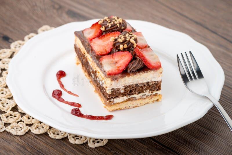 Κέικ φραουλών σοκολάτας στοκ εικόνες