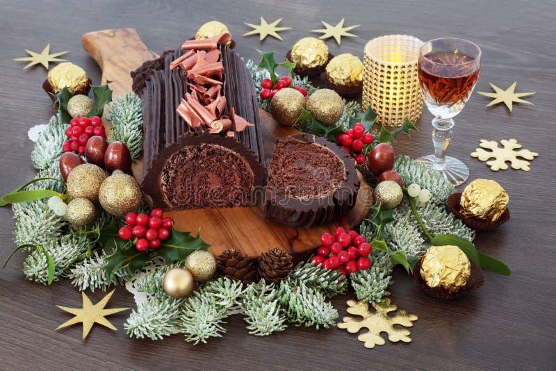 Κέικ Χριστουγέννων κούτσουρων σοκολάτας στοκ εικόνα με δικαίωμα ελεύθερης χρήσης