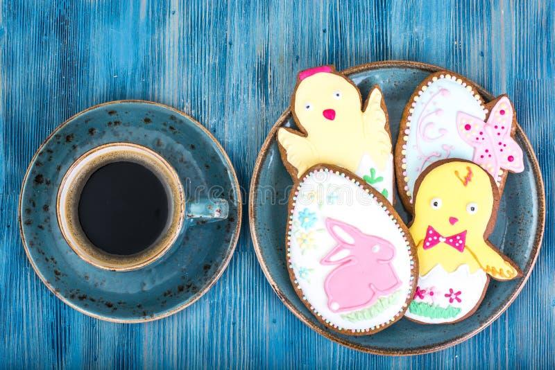 Κέικ ψησίματος Πάσχας με τα σχέδια στοκ εικόνες με δικαίωμα ελεύθερης χρήσης