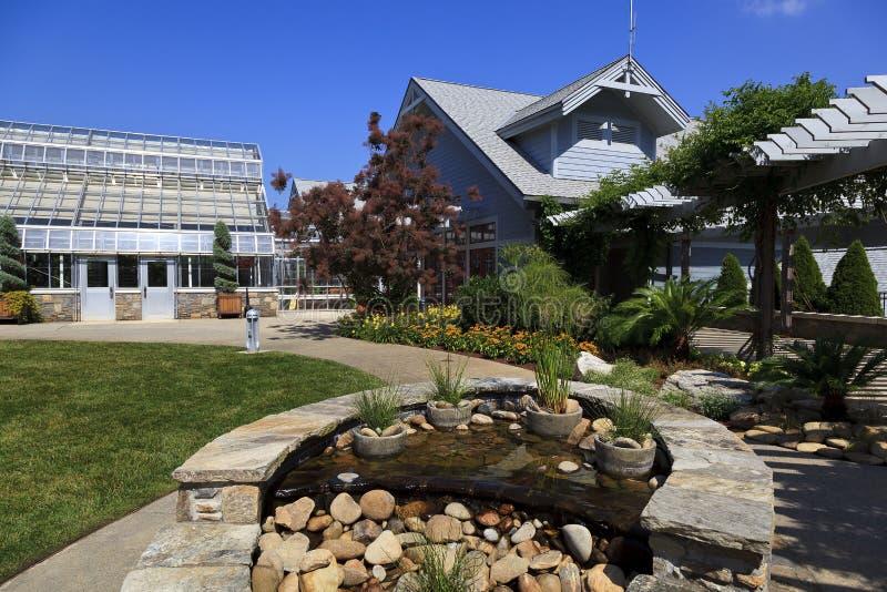 Κέντρο επισκεπτών στο δενδρολογικό κήπο της βόρειας Καρολίνας στο Άσβιλλ στοκ εικόνα με δικαίωμα ελεύθερης χρήσης