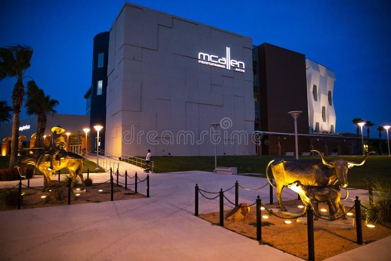 Κέντρο τεχνών προς θέαση McAllen στοκ εικόνες