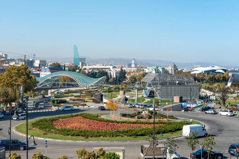 Κέντρο της πόλης του Tbilisi, Γεωργία άνωθεν στοκ φωτογραφία