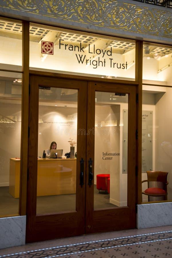 Κέντρο Φρανκ Λόιντ Ράιτ στο Κτίριο Ρόκερι στοκ εικόνα με δικαίωμα ελεύθερης χρήσης