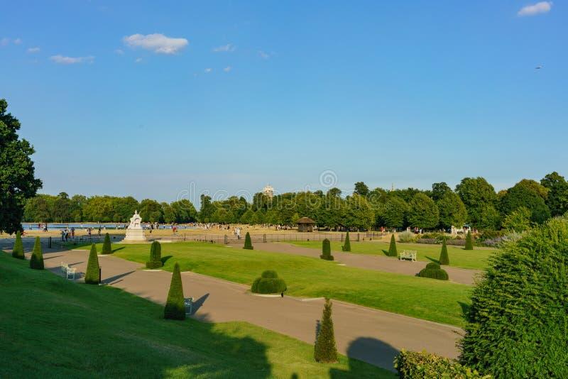 Κήποι παλατιών Kensington στο Χάιντ Παρκ στοκ εικόνες με δικαίωμα ελεύθερης χρήσης