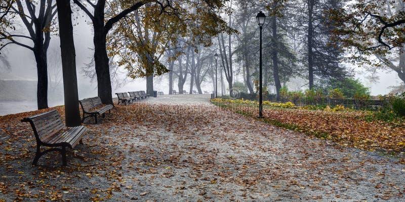 Κήποι Bernardine, ποταμός Vilnia, Vilnius, Λιθουανία στοκ φωτογραφία με δικαίωμα ελεύθερης χρήσης