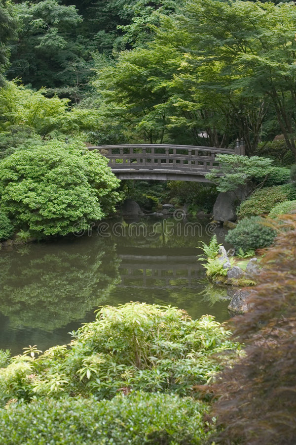 Download κήπος ιαπωνικά γεφυρών στοκ εικόνα. εικόνα από ειρηνικός - 100701