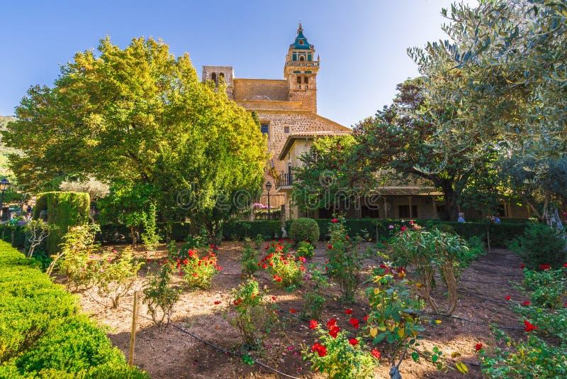 Κήπος μοναστηριών του χωριού Valldemossa, Palma Μαγιόρκα, Ισπανία στοκ εικόνα με δικαίωμα ελεύθερης χρήσης