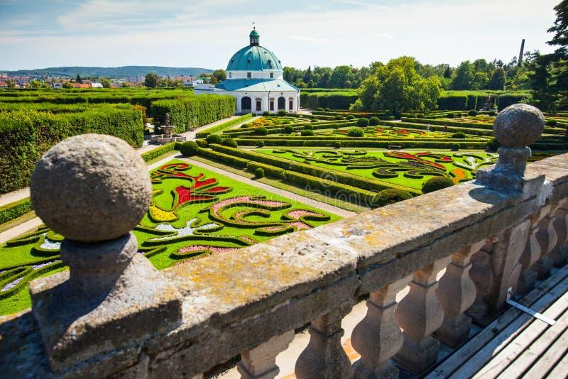 Κήπος λουλουδιών σε Kromeriz, Δημοκρατία της Τσεχίας. ΟΥΝΕΣΚΟ στοκ φωτογραφία με δικαίωμα ελεύθερης χρήσης