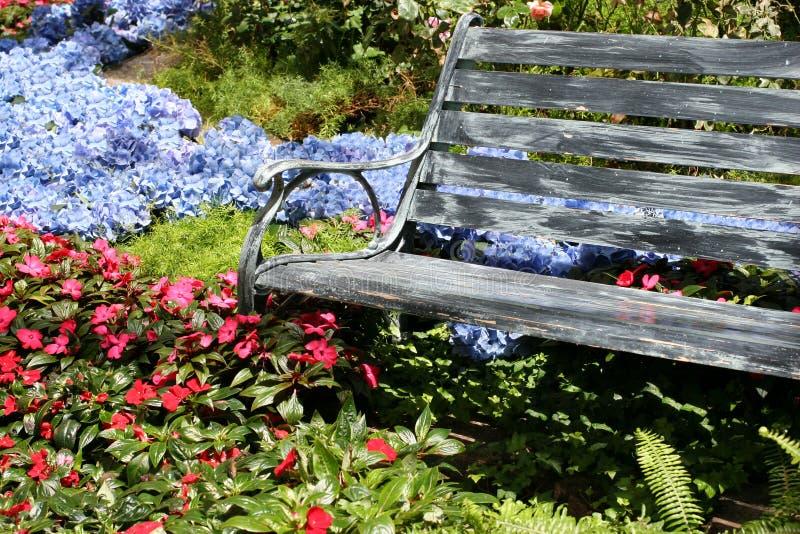 κήπος πάγκων στοκ φωτογραφία με δικαίωμα ελεύθερης χρήσης