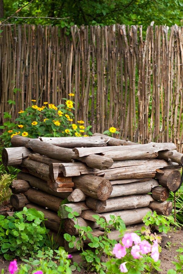κήπος παλαιός καλά στοκ εικόνα με δικαίωμα ελεύθερης χρήσης