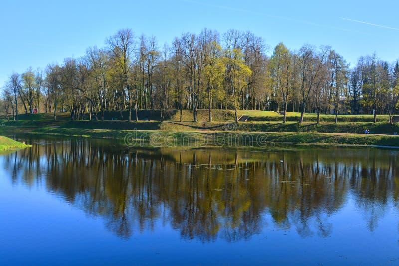 Κήπος παλατιών Γκάτσινα, Αγία Πετρούπολη, Ρωσία στοκ φωτογραφίες με δικαίωμα ελεύθερης χρήσης
