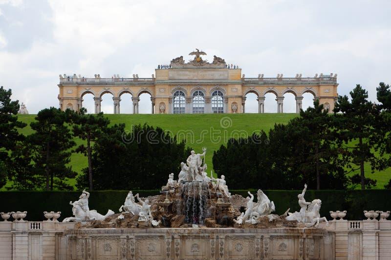 Κήπος παλατιών Schonbrunn Gloriette, Βιέννη, Αυστρία στοκ εικόνα