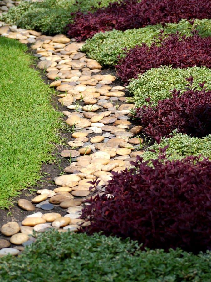 κήπος που περνά την πέτρα δι&a στοκ φωτογραφία