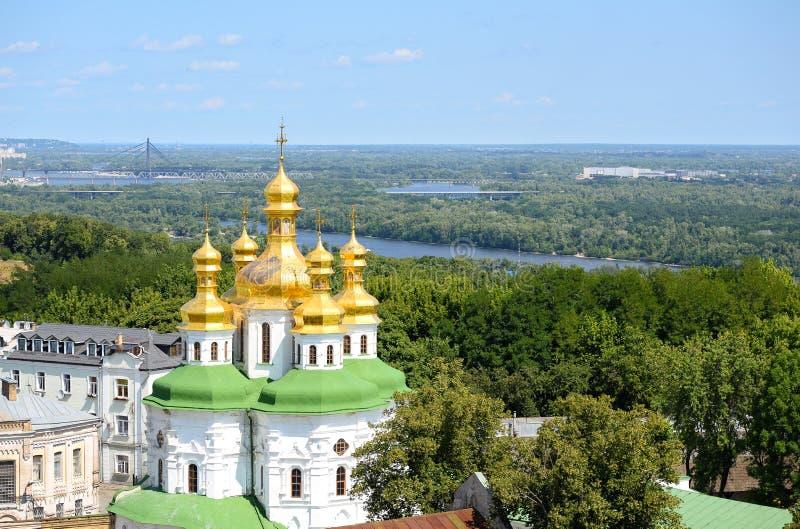 Κίεβο -Κίεβο-pechersk Lavra/Κίεβο -Κίεβο-pechersk Lavra και μπλε ουρανός, Κίεβο, Ουκρανία στοκ εικόνες