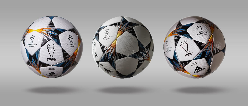 Κίεβο, Ουκρανία - 22 Φεβρουαρίου 2018: Στροφή τρία η δευτερεύουσα σφαίρα UEFA Champions League της Adidas επίσημη σε ένα γκρίζο υ στοκ φωτογραφία