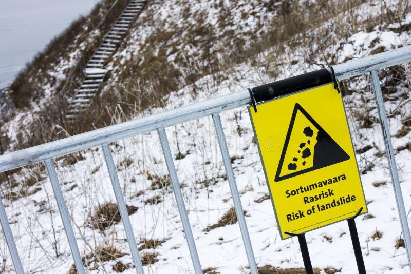 Κίνδυνος σημαδιού καθιζήσεων εδάφους στοκ φωτογραφία με δικαίωμα ελεύθερης χρήσης