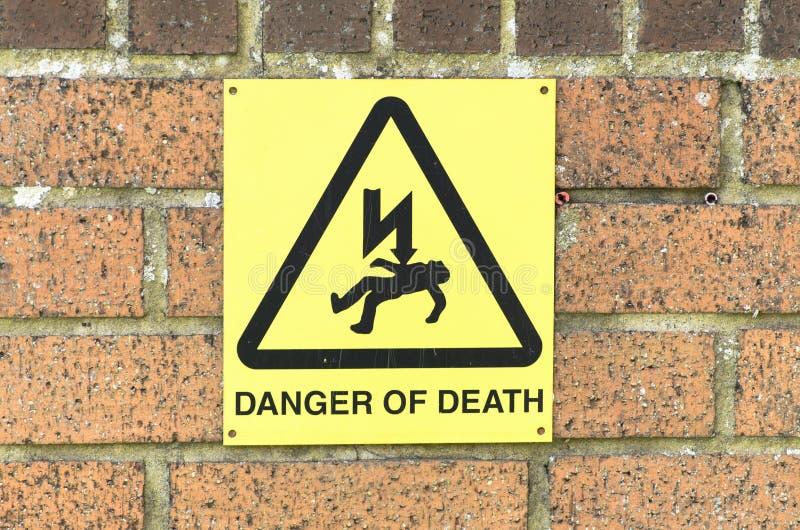 Κίνδυνος του σημαδιού θανάτου, UK στοκ φωτογραφίες