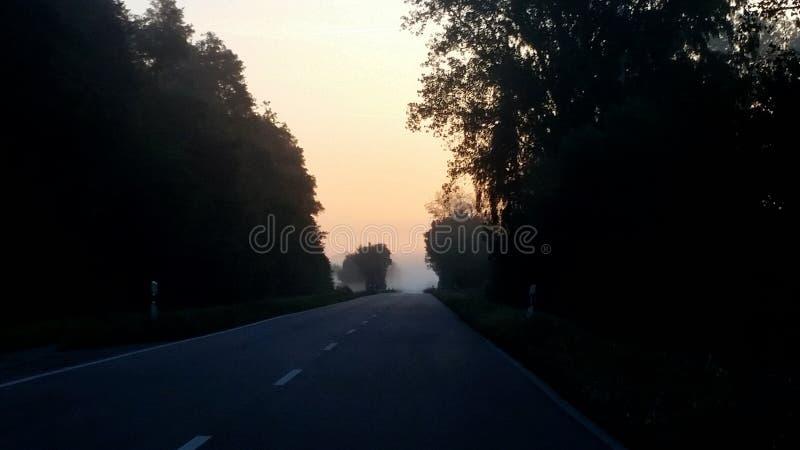 Κίνηση στον τοίχο ομίχλης στοκ εικόνες