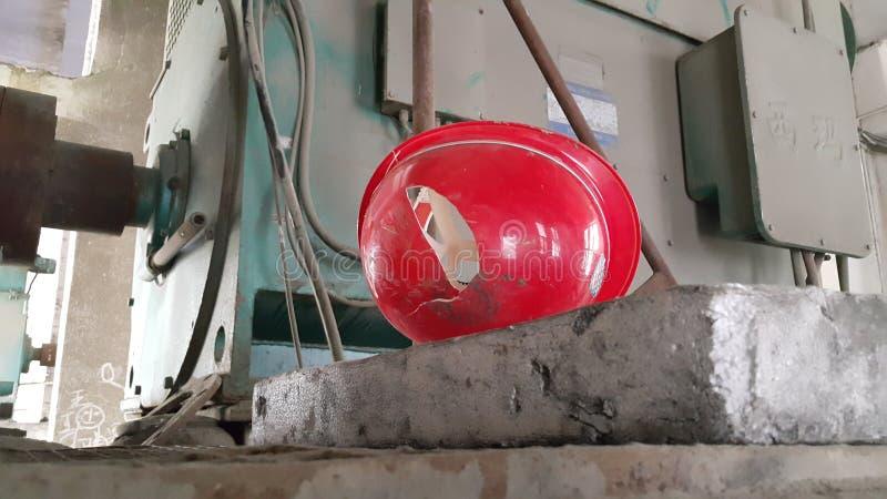 Κίνδυνος ατυχήματος την ώρα της εργασίας τη θέση στοκ φωτογραφίες