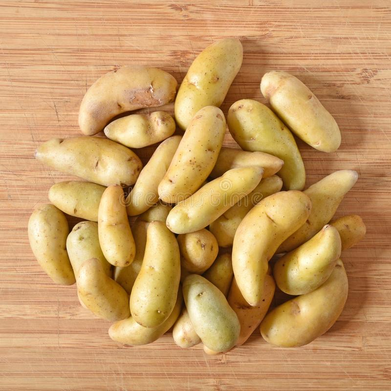 Κίτρινες πατάτες στοκ εικόνες