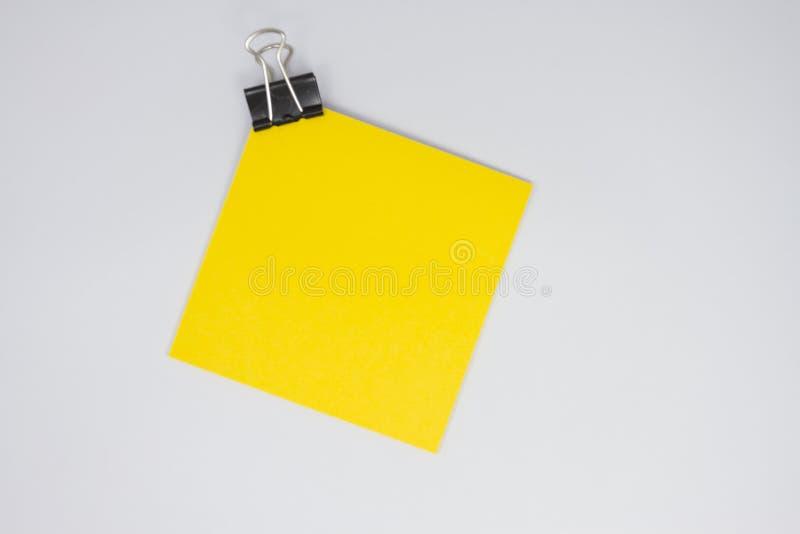 Κίτρινη σημείωση εγγράφου στοκ φωτογραφία με δικαίωμα ελεύθερης χρήσης
