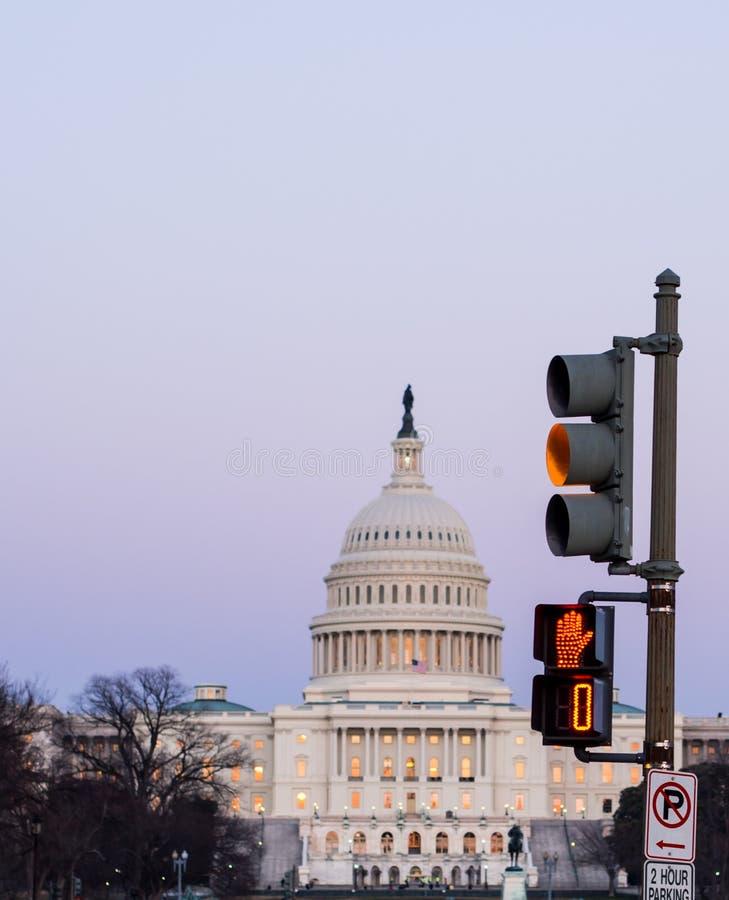 Σήμα κυκλοφορίας στην Ουάσιγκτον, συνεχές ρεύμα στοκ εικόνες με δικαίωμα ελεύθερης χρήσης