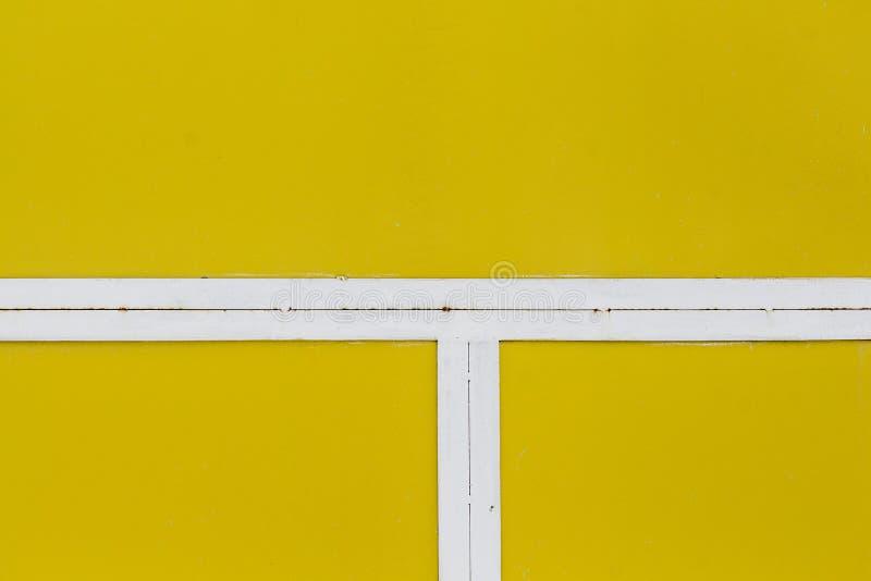 Κίτρινο υπόβαθρο με την άσπρη γραμμή στοκ εικόνα με δικαίωμα ελεύθερης χρήσης