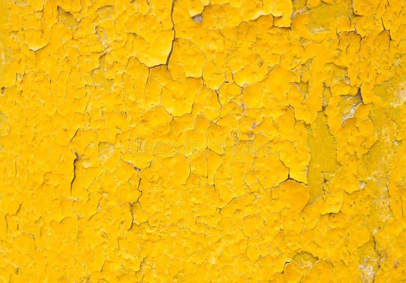 Κίτρινο υπόβαθρο με το παλαιό χρώμα στοκ εικόνες