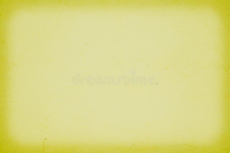 κίτρινο υπόβαθρο τοίχων με τη σκιά στις πλευρές στοκ εικόνα με δικαίωμα ελεύθερης χρήσης