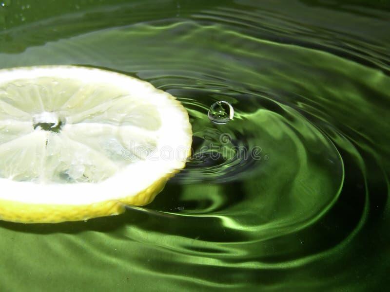 κίτρινο ύδωρ στοκ εικόνες με δικαίωμα ελεύθερης χρήσης