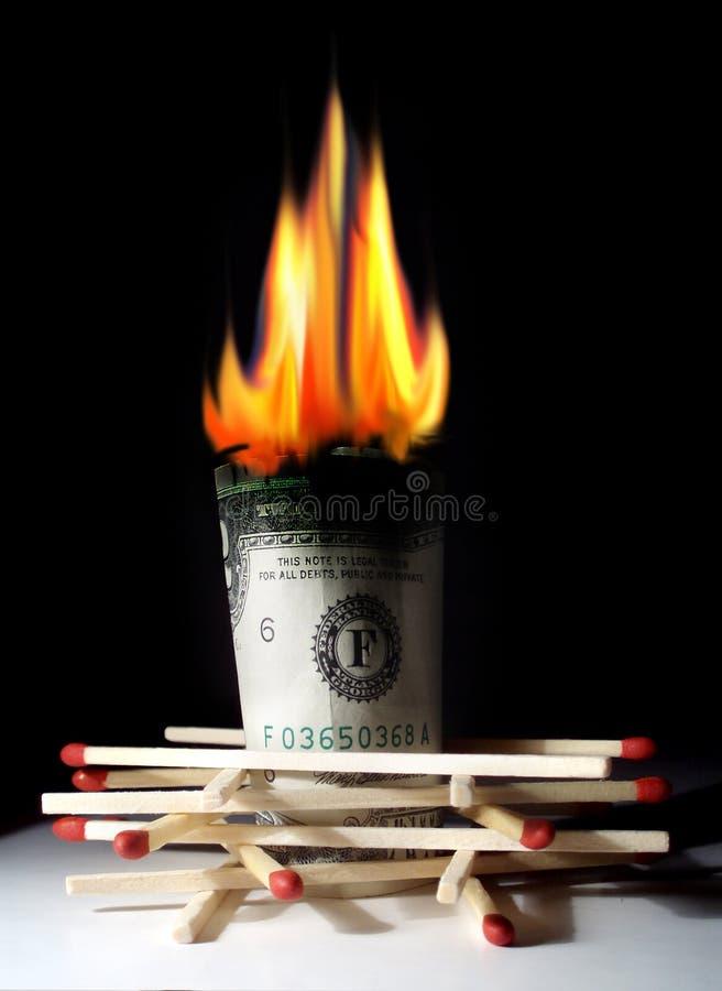 καίγοντας δολάριο στοκ φωτογραφία με δικαίωμα ελεύθερης χρήσης