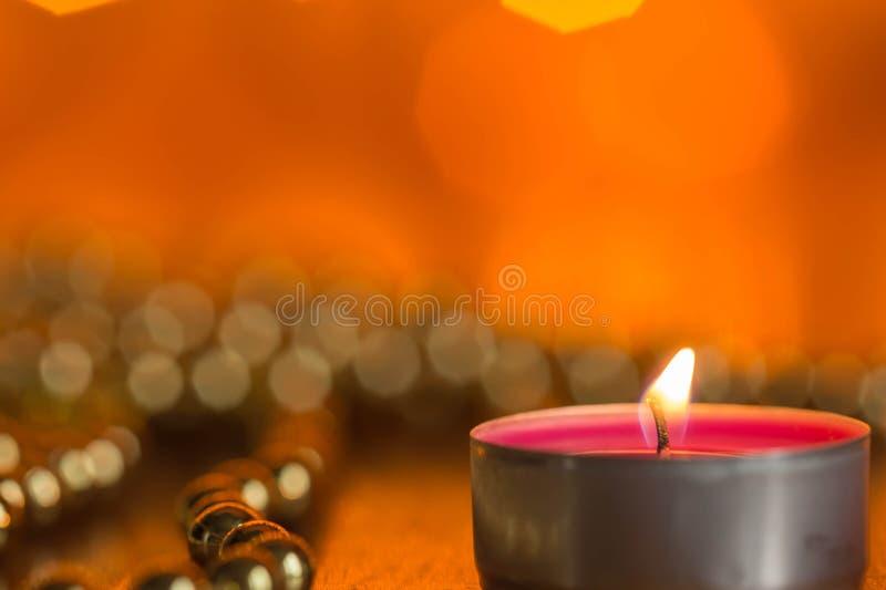 Download Καίγοντας διακοσμήσεις κεριών και Χριστουγέννων Στοκ Εικόνες - εικόνα από διακόσμηση, κερί: 62716628