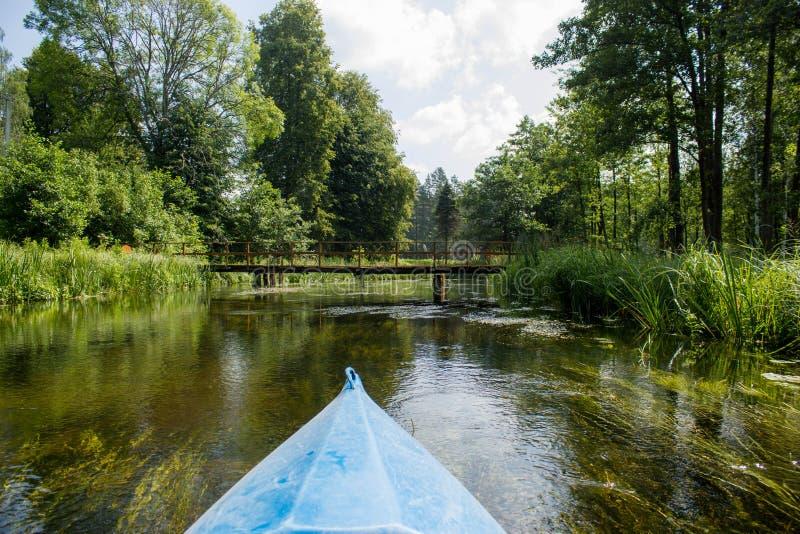 Καγιάκ κανό στον ποταμό στοκ εικόνες