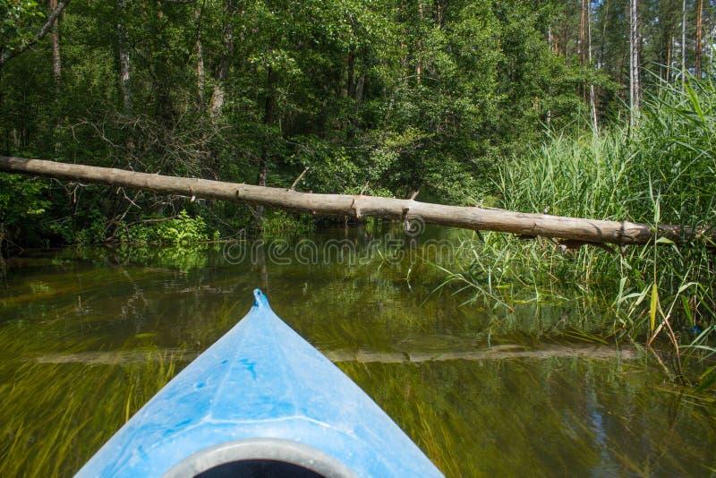 Καγιάκ κανό στον ποταμό στοκ φωτογραφίες