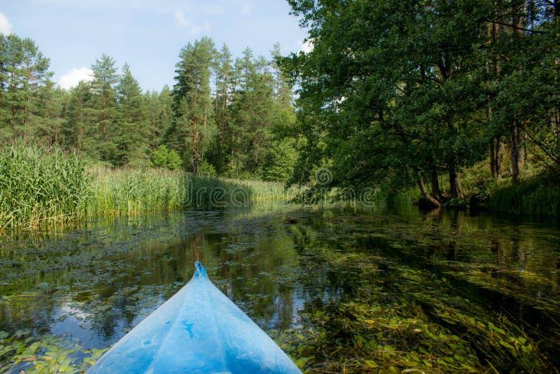 Καγιάκ κανό στον ποταμό στοκ εικόνες με δικαίωμα ελεύθερης χρήσης