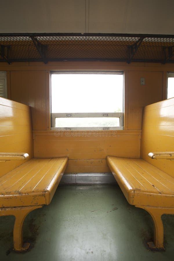 Καθίσματα τραίνων στοκ φωτογραφίες