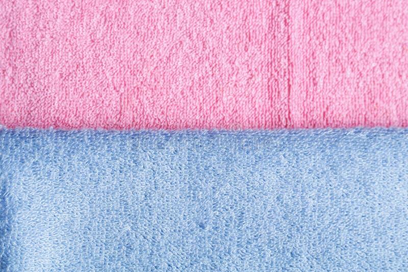 Καθαρές μαλακές πετσέτες χρώματος στοκ φωτογραφίες