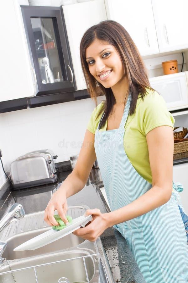 καθαρίζοντας πιάτα Στοκ Εικόνα
