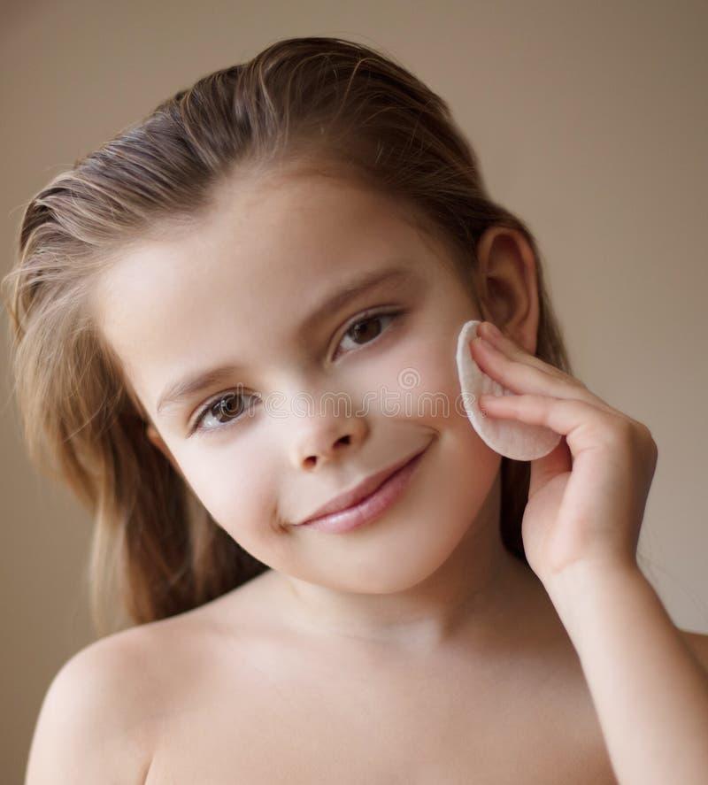 Καθαρό ευτυχές παιδί προσώπου στοκ φωτογραφίες