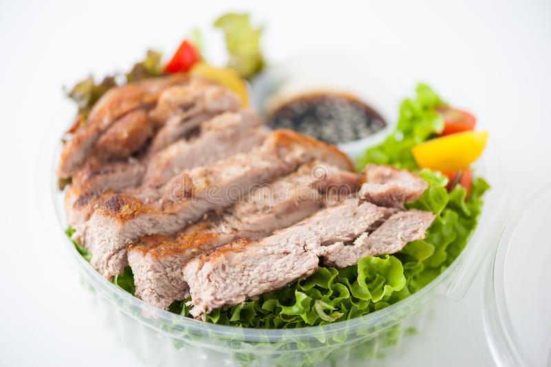 Καθαρό καλαθάκι με φαγητό τροφίμων στοκ φωτογραφίες