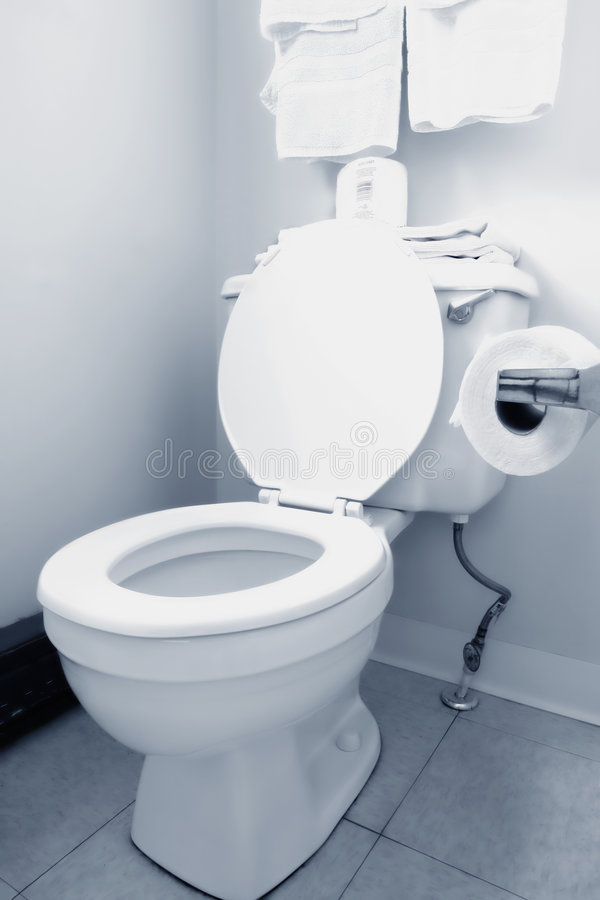 καθαρό λευκό τουαλετών &l στοκ εικόνες