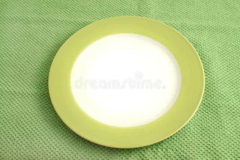 Download καθαρό πιάτο στοκ εικόνα. εικόνα από σιτηρέσιο, γεύμα - 13179975