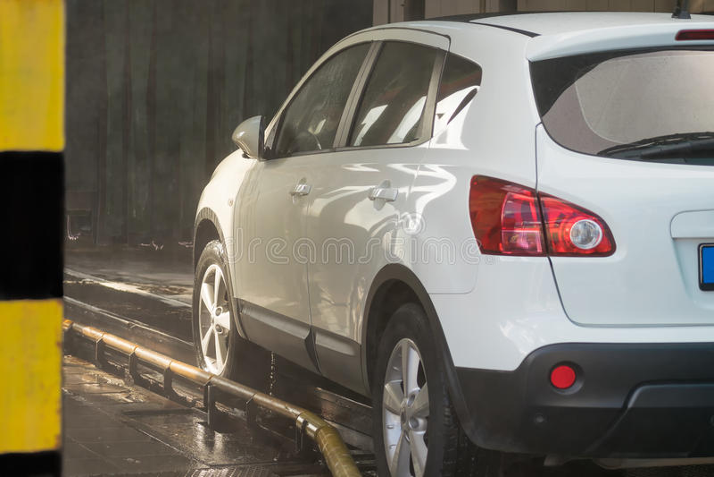 καθαρό πλύσιμο σφουγγαριών μηχανών μανικών αυτοκινήτων στοκ φωτογραφίες με δικαίωμα ελεύθερης χρήσης